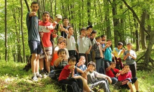 Rómski chlapci s duchovným povolaním